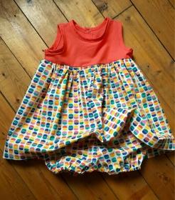 petite robe sans manche et sa culotte froncée